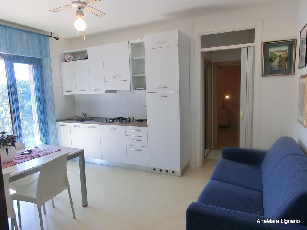 Appartamento bilocale a lignano pineta residence tintoretto for Appartamenti lignano